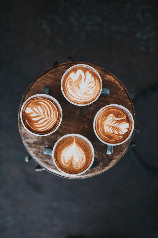 Kaffeevollautomaten und Wasserspender für die Gastronomie und das Büro.